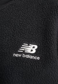 New Balance - TRAIL SHERPA CREW - Sweat polaire - black - 5
