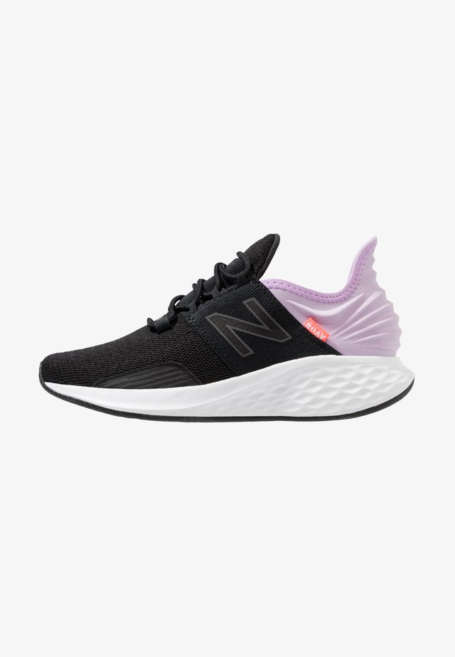 ROAV - Neutral running shoes - black