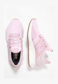 New Balance - Stabilty running shoes - oxygen pink/sea salt - 1