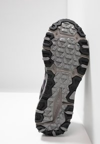 New Balance - 410 V6 - Walking trainers - black/grey - 4