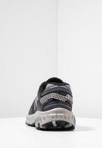 New Balance - 410 V6 - Chaussures de course - black/grey - 3