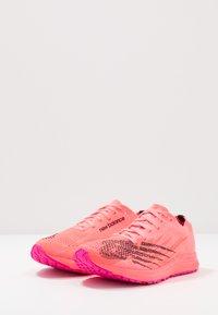 New Balance - M_W1500V6 - Obuwie do biegania startowe - pink - 2