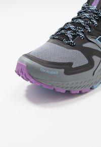 New Balance - WTSKOMSE - Zapatillas de trail running - grey - 5