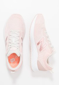 New Balance - FRESH FOAM ARISHI - Zapatillas de running neutras - pink - 1