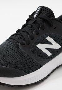 New Balance - 520 V6 - Neutral running shoes - black - 5