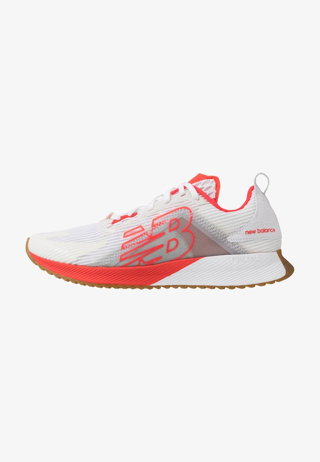 FUELCELL ECHOLUCENT - Scarpe running neutre - white