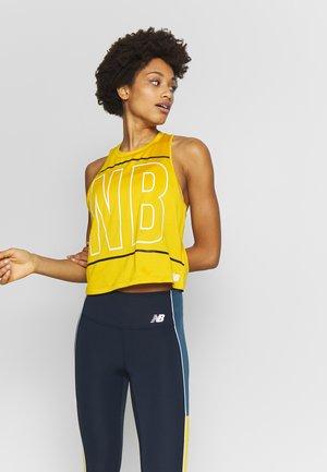 PRINTED VELOCITY CROP TANK - Sports shirt - varsgold