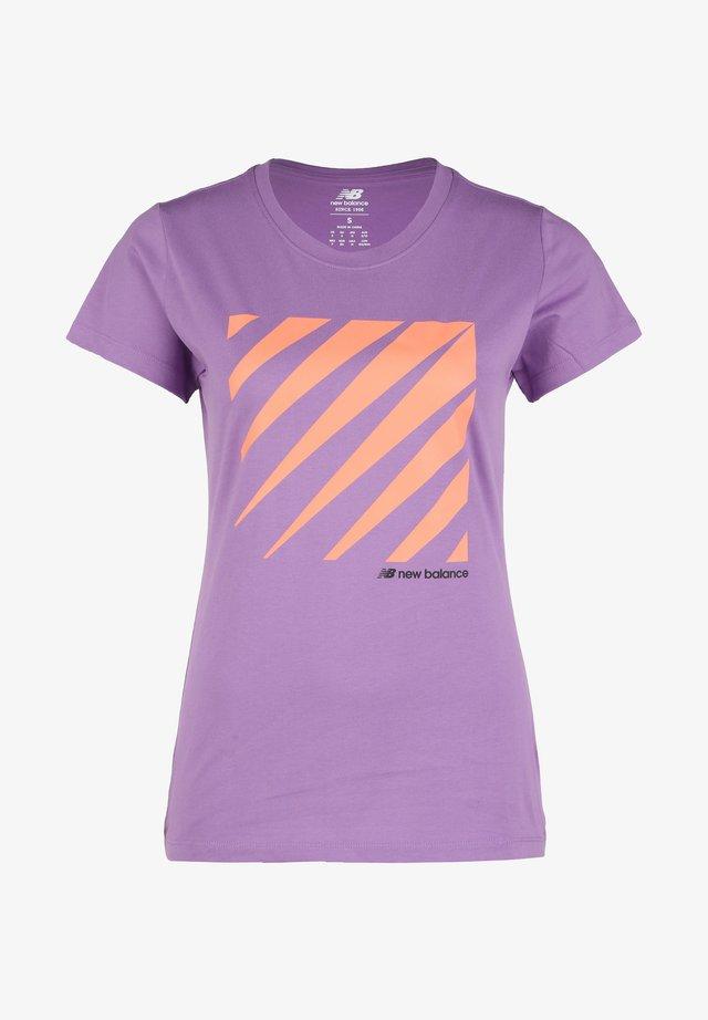 SPORT STYLE T-SHIRT DAMEN - T-shirt print - neoviolet