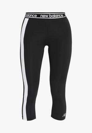 COLOR BLOCK ACCELERATE CAPRI - 3/4 sports trousers - black/white