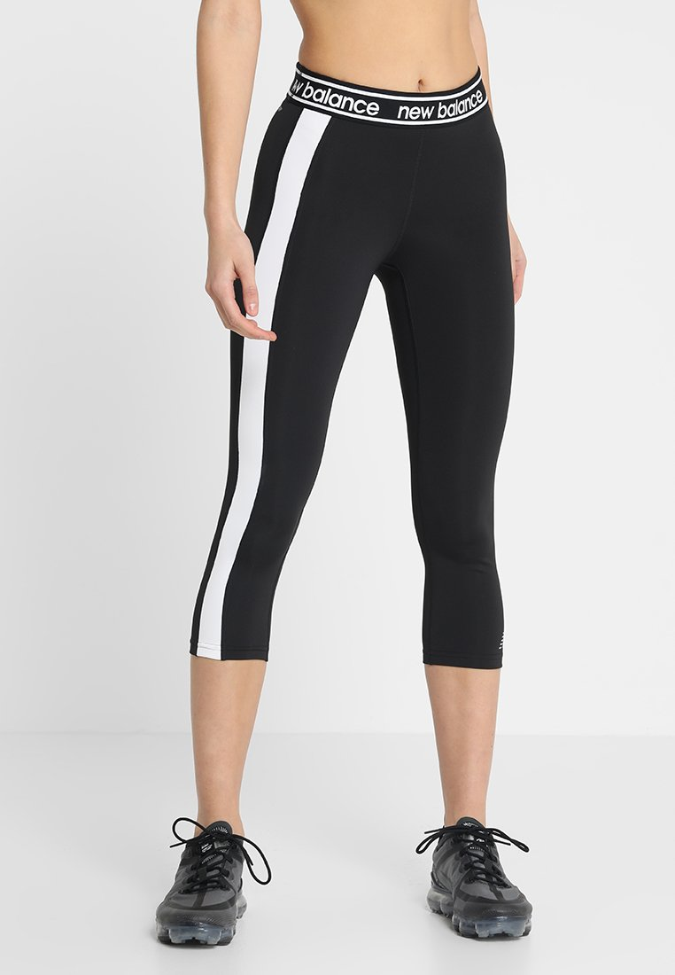 New Balance - COLOR BLOCK ACCELERATE CAPRI - Pantalon 3/4 de sport - black/white