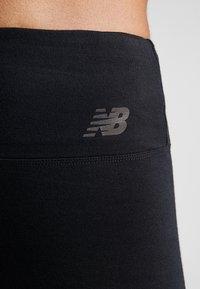 New Balance - RELENTLESS HIGHRISE GRAPHIC - Trikoot - black/white - 3