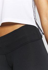 New Balance - ACCLERATE CAPRI - 3/4 Sporthose - black - 3