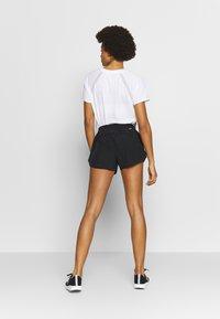 New Balance - ACCELERATE SHORT - Pantalón corto de deporte - black - 2