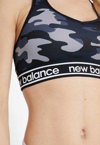 New Balance - PACE BRA PRINTED 2.0 - Sport-bh - black - 3