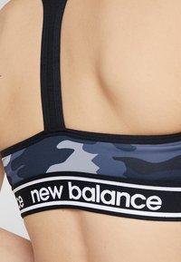 New Balance - PACE BRA PRINTED 2.0 - Sport-bh - black - 5