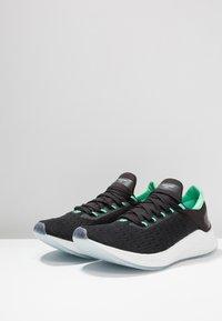 New Balance - LAZR V2 HYPOKNIT - Chaussures de running neutres - other black - 2