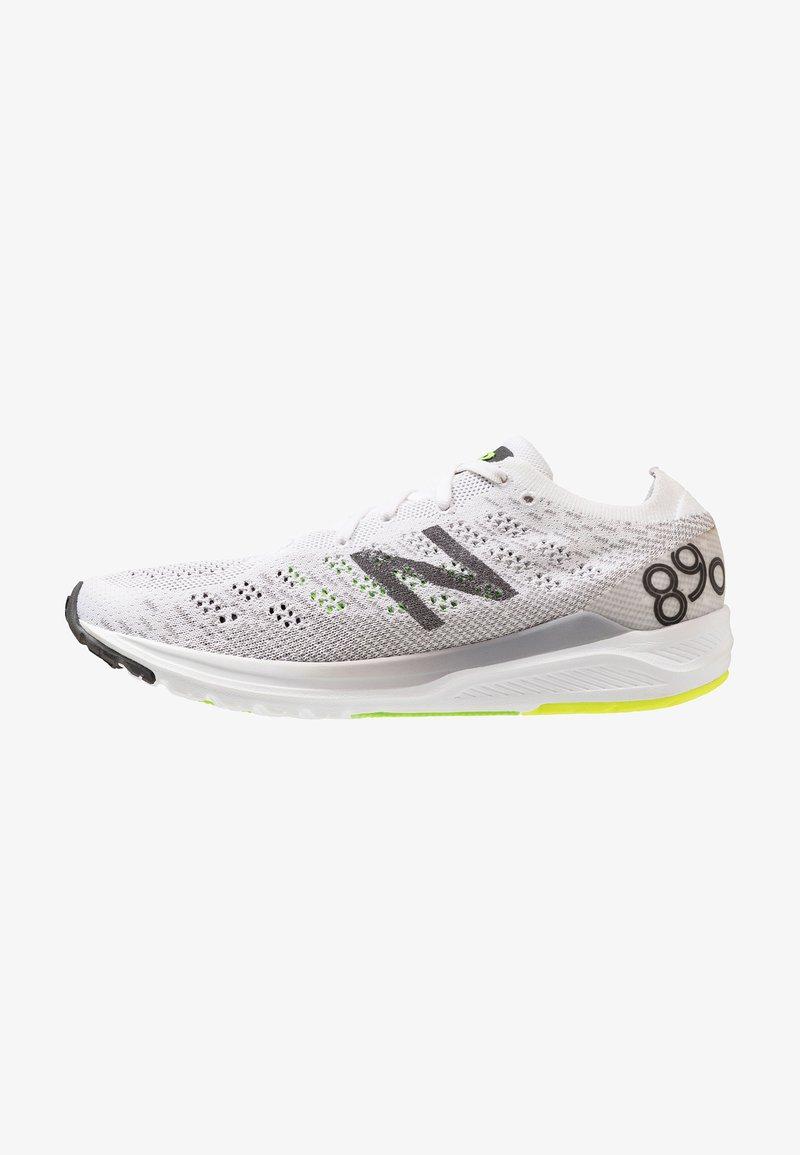 New Balance - 890 V7 - Laufschuh Wettkampf - white/black