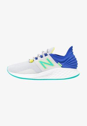 ROAV SPORT PACK - Zapatillas de running neutras - grey/blue