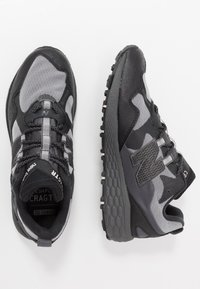 New Balance - CRAG V2 - Trail running shoes - black - 1