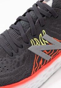 New Balance - 1080 V10 - Chaussures de running neutres - phantom - 5