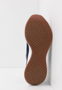 New Balance - ROAV - Neutral running shoes - natural indigo - 4