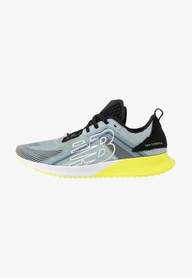 ECHO LUCENT - Zapatillas de running neutras - light slate