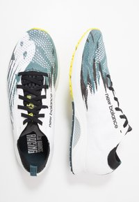 New Balance - 1500 V6 - Competition running shoes - white/blue - 1