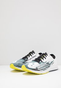 New Balance - 1500 V6 - Competition running shoes - white/blue - 2