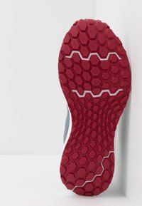 New Balance - 520 V6 - Chaussures de running neutres - grey - 4