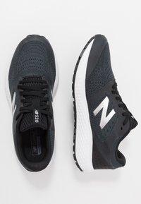 New Balance - 520 V6 - Chaussures de running neutres - black - 1