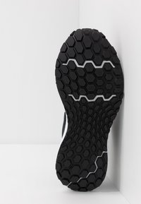 New Balance - 520 V6 - Chaussures de running neutres - black - 4