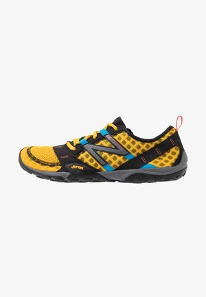 MINIMUS - Minimalist running shoes - yellow