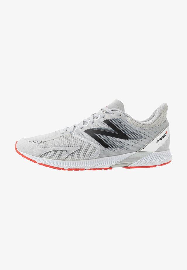 HANZO V3 - Hardloopschoenen competitie - light grey