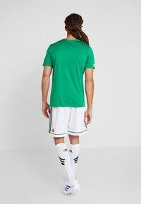 New Balance - CELTIC FC PRE GAME  - Pelipaita - jolly green - 2