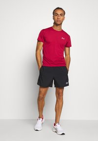 New Balance - ACCELERATE SHORT - Sports shorts - black - 1