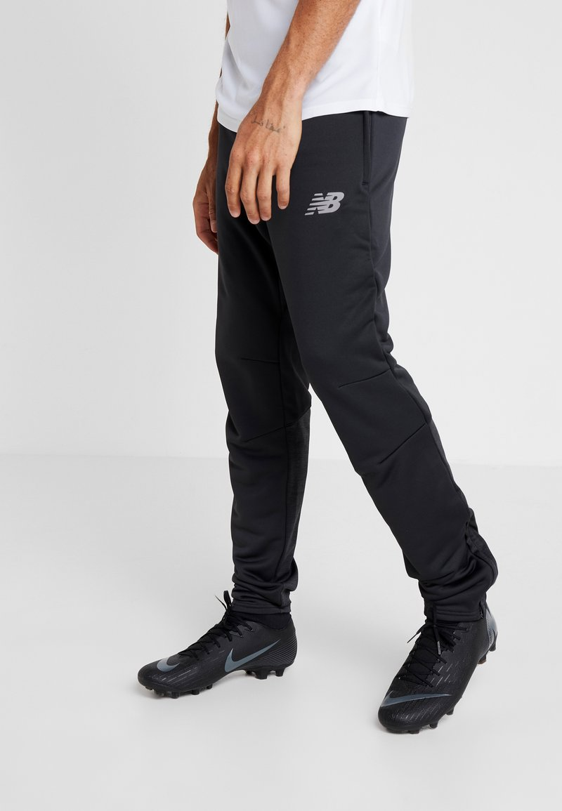 New Balance - LIVERPOOL FC ON PITCH SLIM PANT - Club wear - phantom