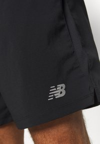 New Balance - ACCEL SHORT - Pantalón corto de deporte - black - 5