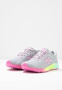 New Balance - ARISHI - Chaussures de running neutres - light grey - 3