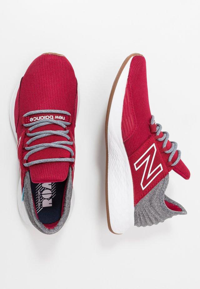 GEROVTR - Hardloopschoenen neutraal - red/grey