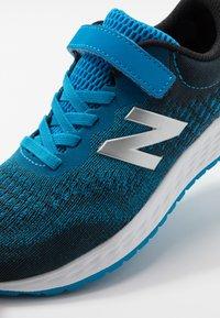 New Balance - YAARICP3 - Neutrala löparskor - blue - 2