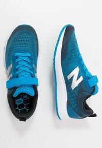 New Balance - YAARICP3 - Neutrala löparskor - blue - 0