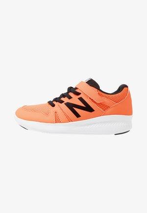 YT570GB - Neutrální běžecké boty - orange