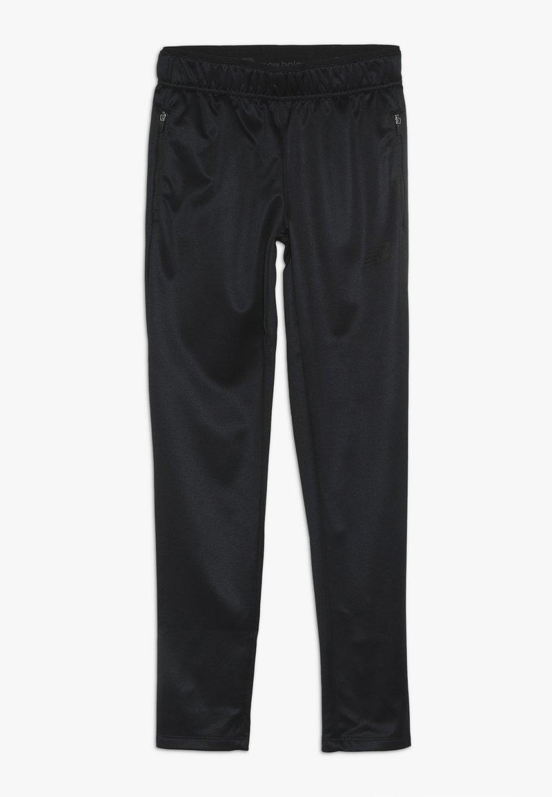 New Balance - JUNIOR SLIM PANT - Träningsbyxor - black