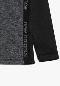 New Balance - CORE JUNIOR DRILL TOP - Sweatshirt - black - 4