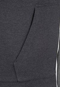 New Era - NFL LARGE GRAPHIC PITTSBURGH STEELERS KAPUZENSWEATJACKE HERREN - Zip-up hoodie - black - 3