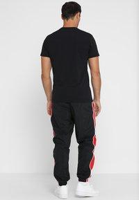 New Era - CHICAGO BULLS - Print T-shirt - black - 2
