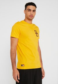 New Era - MLB SAN DIEGO PADRES - Print T-shirt - yellow - 0