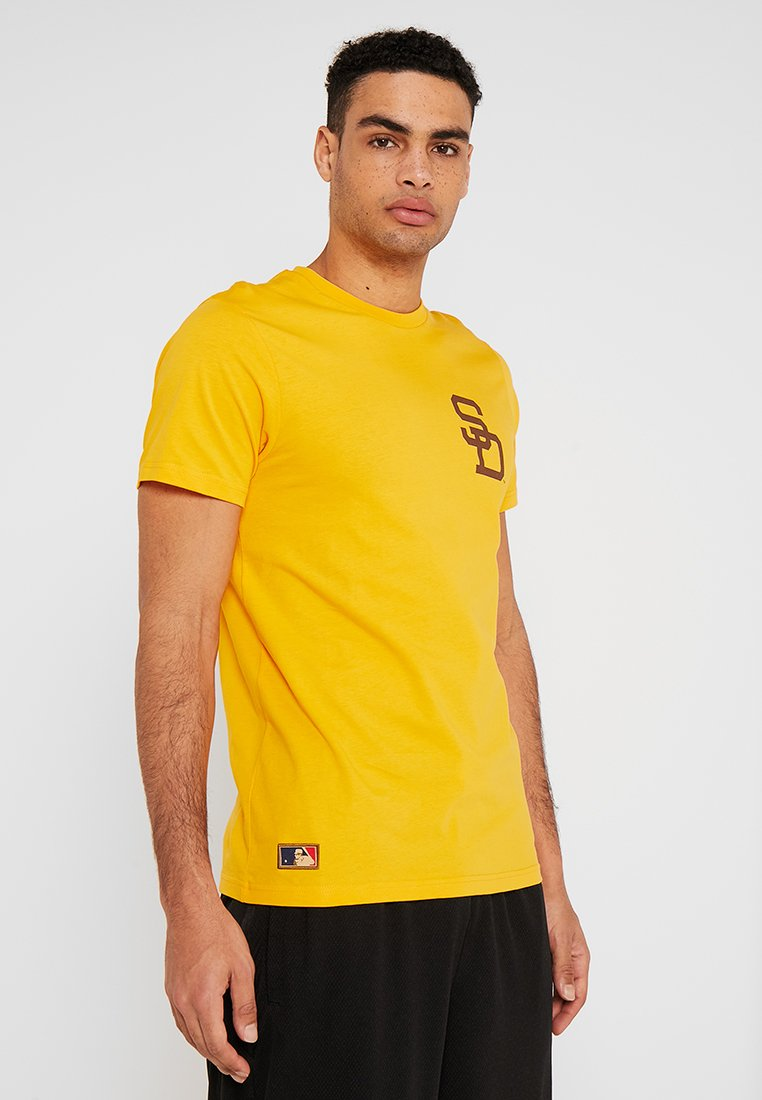 New Era - MLB SAN DIEGO PADRES - Print T-shirt - yellow
