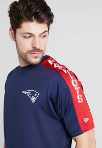 New Era - NFL NEW ENGLAND PATRIOTS OVERSIZED TEE - Klubbkläder - blue - 3