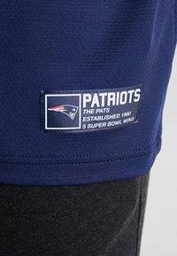 New Era - NFL NEW ENGLAND PATRIOTS OVERSIZED TEE - Klubbkläder - blue - 5